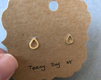 10K Solid Gold Rain Drop Stud Earrings - 10K Solid Gold