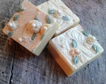 "Handmade artisan soap ""ups a daisy"" 5-6 oz"