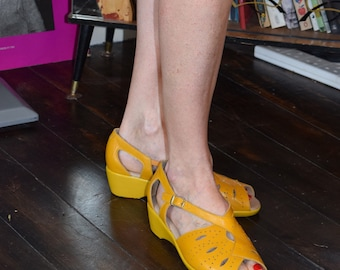 1940s 1950s Yellow Style Leather low Wedge Comfortable Shoes Sandals sz 4  6  7 UK