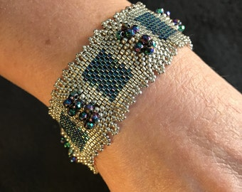 NO 169 Hand Beaded Crystal and Glass Bracelet