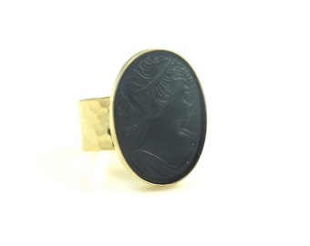 Glass Cameo Ring, Black and Gold Cameo Ring, Cameo Jewelry, Vintage Ring, Vintage Jewelry