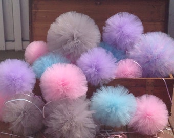 Pom pom tulle  set of 10 Party Decoration