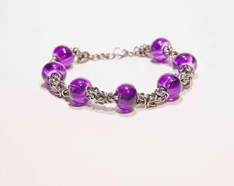 Byzantine Chainmaille Bracelet with Eropean glass beads/ladies bracelet/chainmail bracelet/spinner bracelet/7 beads