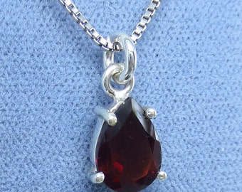 10mm x 7mm Natural Garnet Necklace - Sterling Silver - Simple - Pear - G200751