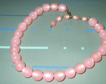 Vintage MOD Pink Moonglow Lucite Round Bead Necklace
