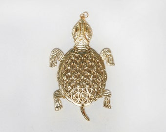 Turtle Pendant. Gold Pendant. Statement Pendant. Terrapin Jewelry. 1970s Boho Jewelry. Articulated Pendant. Turtle Jewelry. 70s Jewelry.