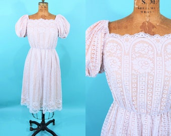 "1970s peasant dress | white large scale lace tea party dress | vintage 70s dress | W 20""+"
