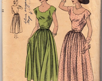 "ORIGINAL Vintage Sewing Pattern 1940s Ladies Dress Vogue 6392 Size 32"" Bust - Free Pattern Grading E-book Included"