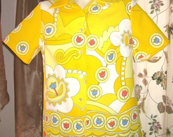 Blouse Top  Short Sleeve Mod Yellow Print with Tulips Vintage 60s