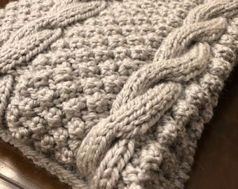Bobbles and cables alpaca knit throw