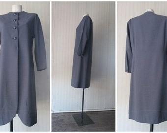 Soprabito crespo di lana anni 80.Avio.Luciano Soprani.Tg.44/Wool crepe overcoat from the 80s/By Luciano Soprani/Aviation colour/Size 10