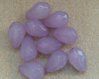 Beads, Acrylic Beads, Lavender Acrylic Tear Drop Faceted Beads. Listing is for 10 Beads