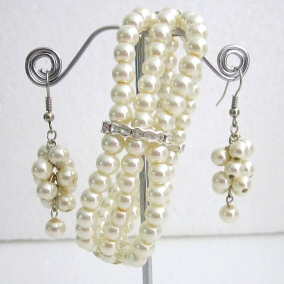 Ivory pearl Bracelet,Ivory wedding bracelet,Glass Pearl Bracelet, Wedding Bracelet,Rhinestone & Pearl Bridesmaid Bracelet Free Shipping USA