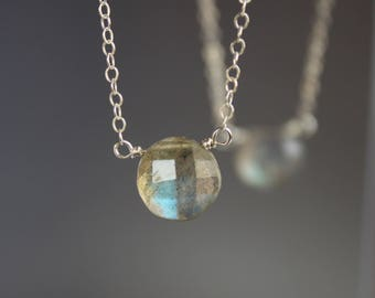 Labradotie Necklace, Flashy Labradorite Necklace, Dainty Gemstone Necklace, Labradorite Pendant Necklace, Sterling Silver