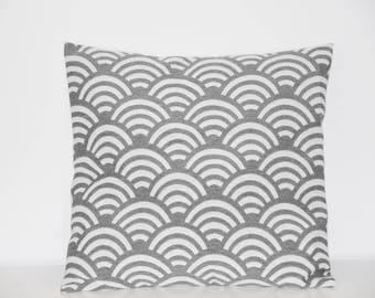 Cushion - 40 x 40 cm - fabric cover * pattern * waves Print - gray