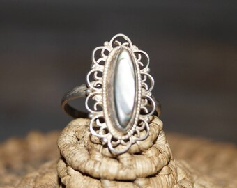 MOP Ring, Filigree Ring, Abalone ring, Size 7 ring, Gypsy Ring, Shell Ring, Vintage Ring, Hippie Ring