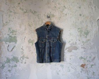 Vintage Levis Vest - 80s 1980s Levis Jacket - Grunge Worn Distressed Levi's Frayed Vest Small