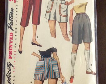 "Simplicity 4680 Shorts and Capri Pants Pedal Pushers Waist 26"" Hip 35"""