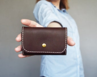 Dark brown leather key case, key wallet, key holder. Leather key chain. Gift for him / her.