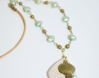Necklace Shell & Pearl, Fresh Water Pearl Necklace with Shell Pendant, Shell Necklace, Beachy Pearl Necklace, Green Fresh Pearl Necklace