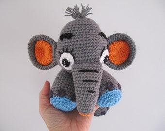 elephant crochet blanket