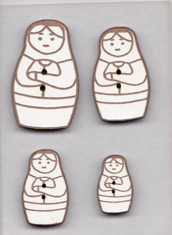 "Buttons craft Board wood motif ""Nesting Doll"""