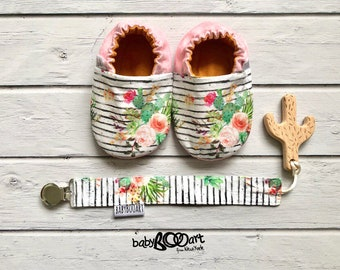 booties crib | Prewalker shoes |  baby booty | baby shoes | cactus moccasins | cactus | baby girl | baby moccs | pink moccasins |