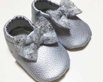 Faux leather loafers with paillettoso staple for babies and girls