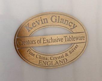 4 Bespoke Stylish Kevin Glancy Dinner Plates & 9 Bowls.