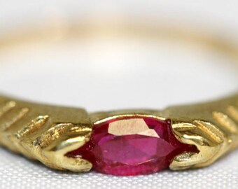 Vintage 10k Yellow Gold Horizontal Set Oval Cut Ruby Band Ring Size 7.25 - July Birthstone
