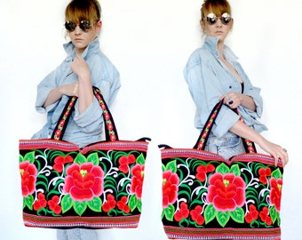 Boho embroided floral bag.