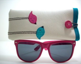 Eyeglass case in cream with pink and teal birds