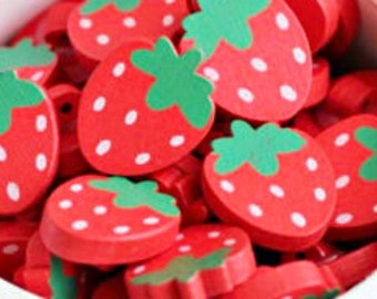10 Strawberry Buttons - #SB-00027