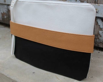 Vegan bag,    Vegan leather, vegan clutch bag,Vegan leather envelope clutch Tablet case mother's day gift, cadeau fete de meres