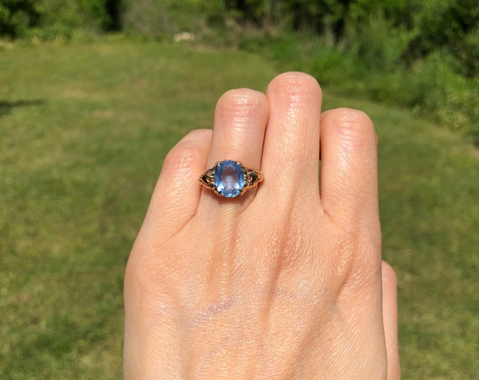 Vintage 10k Yellow Gold Faceted Oval Blue Spinel Ring