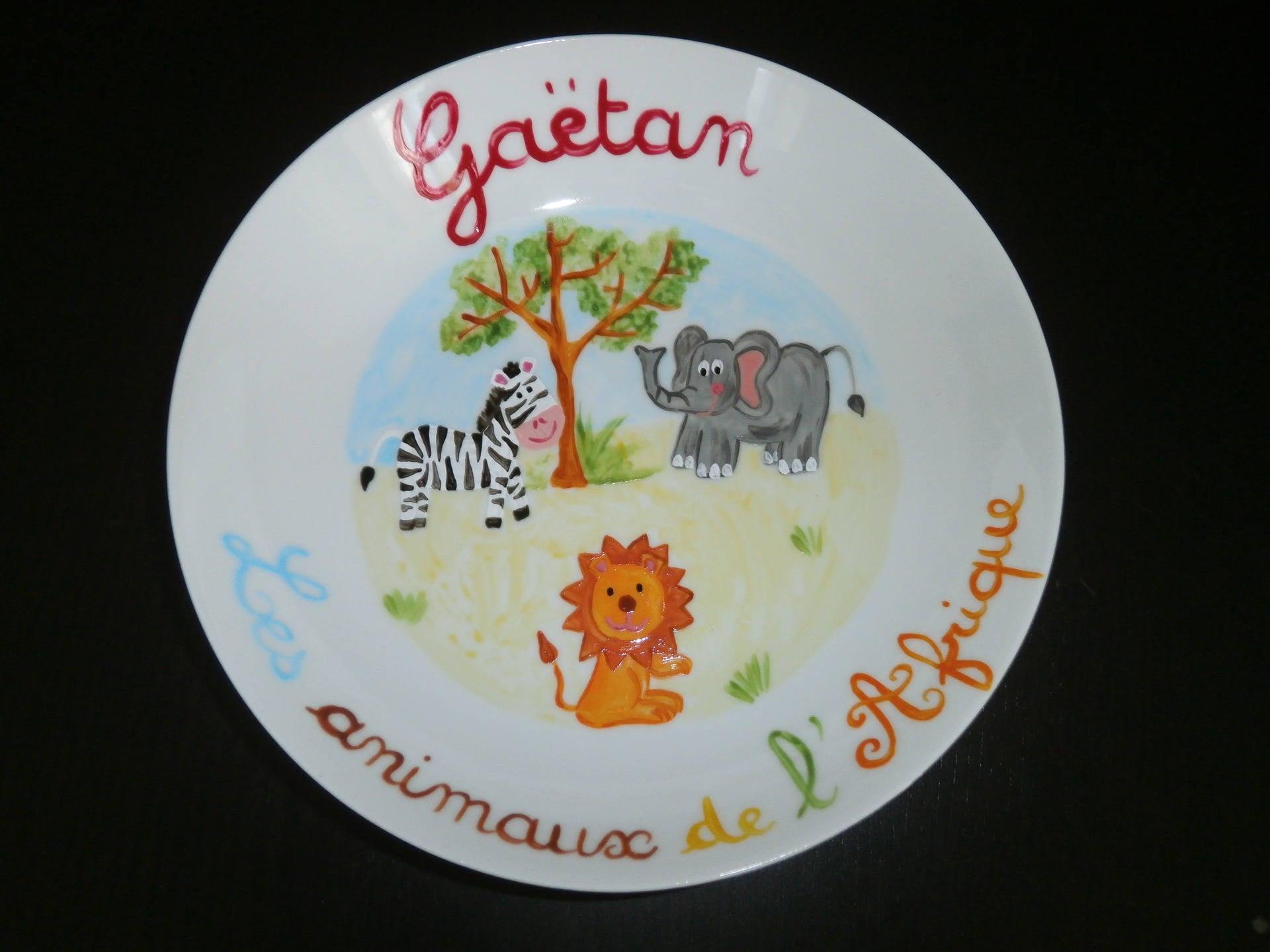 assiette creuse peinte motif les animaux de l 39 afrique. Black Bedroom Furniture Sets. Home Design Ideas