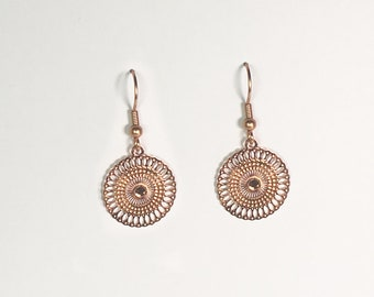 Small ornament Earrings in Roseold