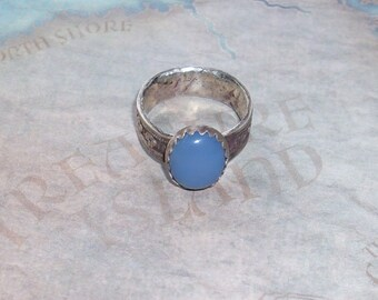 Renaissance Ring with Chalcedony     R101