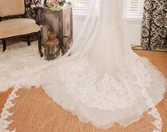 Traditional Wedding Veil, Long Bridal Veil with Lace edge, Wedding Vail,Wedding Viel, Veil with Blusher