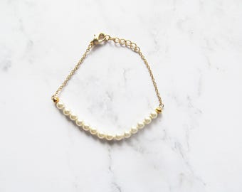 pearl bracelet, pearl wedding jewelry, bridesmaid bracelet, delicate bracelet, bridesmaid jewellery