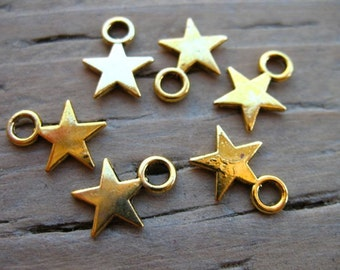 25 Antiqued Gold Star Charms 11mm