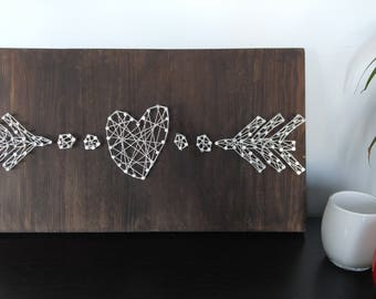 String art painting heart and arrows, embroidery thread and nails, wire art, art wire, 20 x 12