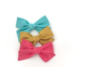 School girl bow | Hand tied bow | Headband or Clip