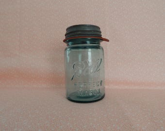 Vintage Ball Perfect Mason Pint Jar, Blue