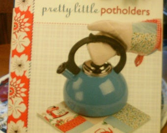 Pretty Little Potholders by Lark Books - Free Shipping