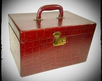 Vintage Maroon Leather Train Case/Hard Shell Cosmetic Case /Make Up Case/Storage Box/Luggage Travel Case/Gift Idea/F1504