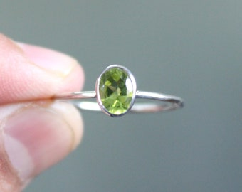 925 Solid Sterling Silver - Natural Peridot Gemstone - Handmade Silver Ring - All Size 3-15