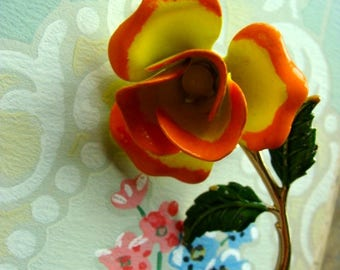 Gorgeous Vintage Enamel Ruffled Flower Brooch