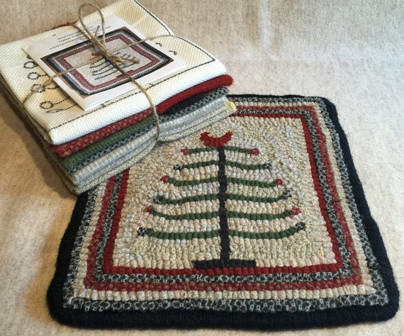 "Primtive Rug Hooking Kit,  Feather Tree Mat  9"" x 9""  K113"