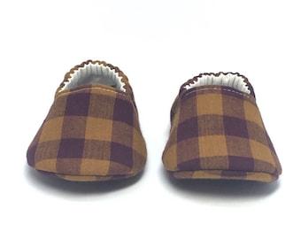 0-3mo RTS Baby Moccs: Pumpkin Eggplant Plaid / Crib Shoes / Baby Shoes / Baby Moccasins / Vegan Moccs / Soft Soled Shoes / Montessori Shoes